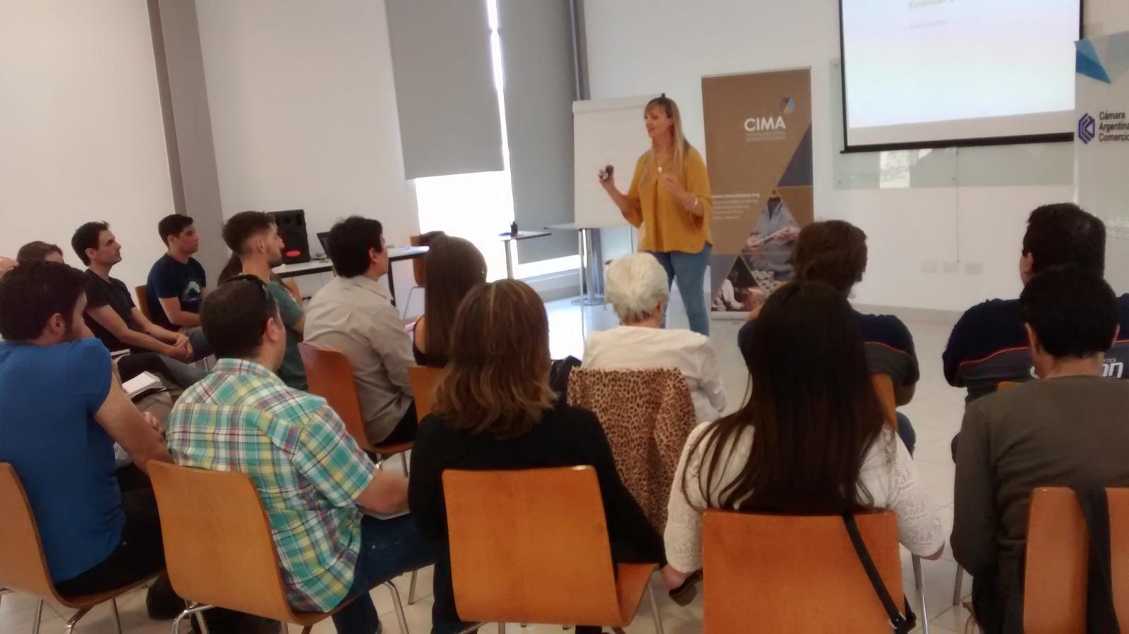Dentro del programa de capacitación que ofrece la Camara Argentina de Comercio ( CAC ) y con un entusiasta grupo de jóvenes se llevo a cabo la actividad con la dirección de la Lic.  Maria Jose Larrosa especialista en Comunicación Corporativa & PR.