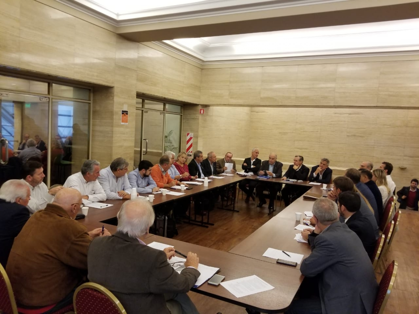 Se llevo a cabo una nueva reunión entre las entidades que nucleadas en CAME,  representan la industria en todo el país.  CIMA estivo presente representada por su presidente Oscar Dethier en su carácter de Secretario Adjunto de CAME Industrial.
